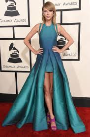 Who else dresses like you: Taylor Swift